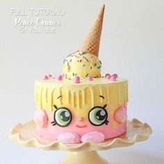 MORE CUTENESS coming your way! My friend Renee from has made the most ADORABLE Shopkins Ice Cream Kate cake, AND she made an awesome tutorial so we can make it too! You can check out Bolo Shopkins, Fete Shopkins, Shopkins Birthday Cake, Pretty Cakes, Cute Cakes, Pastel Shopkins, Fancy Cakes, Crazy Cakes, Birthday Cake Girls