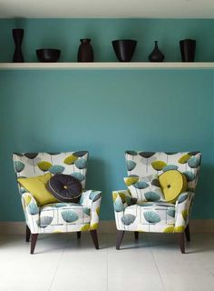 already have the wall color, where the hell do I get that fabric on the chairs? Home Interior, Interior Design, Dandelion Clock, Love Chair, Home And Deco, Colour Schemes, Colorful Interiors, Interior Inspiration, Mid-century Modern