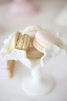 White, gold, and pale blush macarons Macarons, French Cookies, Macaron Recipe, Cupcakes, Tea Cakes, Wedding Cake Designs, Creamy White, Party Cakes, Afternoon Tea