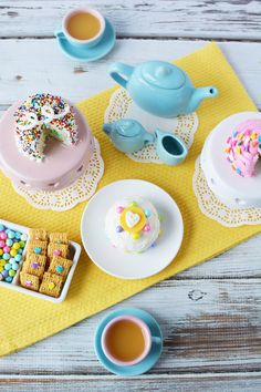 How to make fairy cakes and a magical mini tea party. Super cute little cakes great for baby showers, birthday parties, or whenever you'd like to serve tiny cakes. Dessert Cake Recipes, Mini Desserts, Just Desserts, Delicious Desserts, Tasty Snacks, Big Cakes, Little Cakes, Baking Cupcakes, Cupcake Cakes