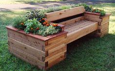 Auf der Suche nach einer schönen Bank für den Garten? Diese 11 Pflanzkübel-Bank-Kombinationen sind echt spitze! - DIY Bastelideen