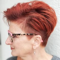 Natural red hair is breathtaking. It is a color that can't be replicated and makes short hair look stunning and unique. Although some of us aren't bor... Short Red Hair, Short Hair Cuts, Pixie Hairstyles, Pixie Haircut, Pixie Styles, Curly Hair Styles, New Hair, Your Hair, Shaved Pixie
