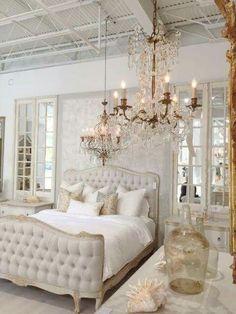 Gorgeous 99+ Elegant French Style Apartment Design Ideas https://homstuff.com/2017/06/15/99-elegant-french-style-apartment-design-ideas/