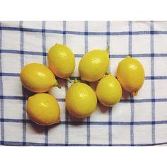 natzzzzzzzzzz:  Родители привезли наш сочинский урожай мини-лимонов) кому кому?))