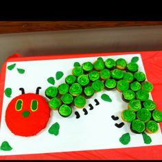 Very hungry caterpillar baby shower cake. Buttercream frosting. Cupcakes birthday homemade easy simple