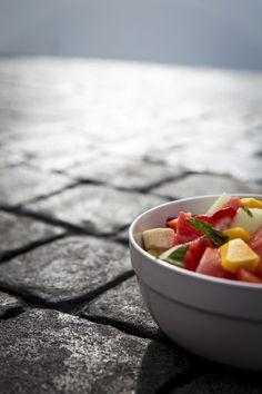 Fruit salad in Cadiz. http://www.jotainmaukasta.fi/2015/07/01/vaniljainen-hedelmasalaatti/