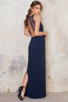You will look absolutely fabulous in this dress! The Willow dress long by Samsoe & Samsoe comes in Total Eclipse and features a open back, lace details and gorgeous silhouette. Style it will high heels and a clutch bag!