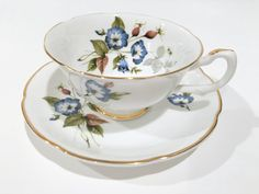 Picturesque blossoms beckon one to tea.  Born of classic English design, this…