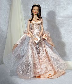 Love this dress for one of my Fae dolls...Connie ( I think I will do it in soft pink and champagne)