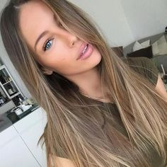 Dark Blonde Hair Color Ideas, We all have our favorite blonde! Today we are going to examine dark blonde hair color ideas together our top favorite long blonde hair ideas to inspir. Dark Blonde Hair Color, Brown Blonde Hair, Brown Hair With Highlights, Cool Hair Color, Honey Highlights, Natural Dark Blonde, Color Highlights, Dark Blonde Balayage, Blonde Honey