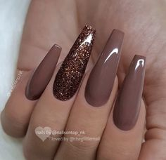 30 Thanksgiving Nail Art Ideas to Set Major Mani Goals Set mani goals for the festive season with these fancy and fascinating Thanksgiving Nail art ideas. Check out best Thanksgiving Nails and fall nails here. Fall Acrylic Nails, Acrylic Nail Designs, Nail Art Designs, Fall Nails, Nails Design, Brown Nail Designs, Winter Nails, Acrylic Colors, Acrylic Nails Coffin Matte