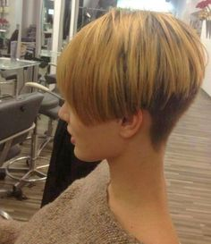 """shorthairbeauty: """" What do you think of her cut? http://ift.tt/1lF5qPQ """""""