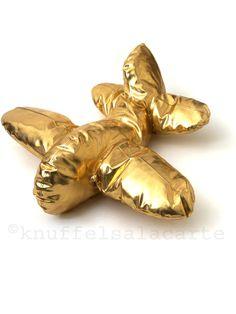 Knuffels à la carte | koop online de mooiste knuffels, poppen en beren.:- interieur/lifestyle:XL vliegtuigkussen goud