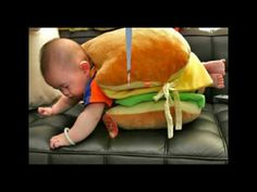 Check out these Halloween costumes for babies. What do you think of the burger baby and taco baby costumes? Who or what are your kids going to be this Halloween Funny Babies, Funny Kids, Cute Kids, Cute Babies, Halloween Bebes, Homemade Halloween Costumes, Happy Halloween, Infant Halloween, Funny Halloween