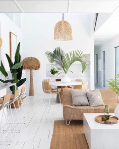 """34 Fascinating Summer Living Room Decor Ideas You Will Love - After a long winter, it's incredibly nice to be able to go to your summer house and """"open"""" it for the season. One of the first considerations you may . Chic Living Room, Living Room Interior, Living Room Decor, Zen Living Rooms, Tropical Living Rooms, Barn Living, Dining Room, Dining Table, Coastal Living"""