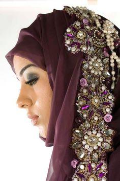 Hijab with bling Arab Fashion, Islamic Fashion, Love Fashion, Beautiful Hijab, Beautiful Dresses, Bridal Hijab, Muslim Dress, Hijab Tutorial, Mode Hijab