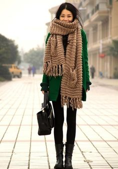 love this chunky scarf and green coat