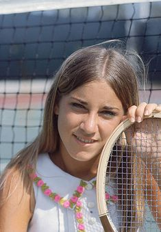 Closeup portrait of Chris Evert during photo shoot Fort Lauderdale FL CREDIT Lynn Pelham 001349774 Tennis Clubs, Sport Tennis, Tennis Legends, Vintage Tennis, Tennis Players Female, Tennis Stars, Best Portraits, Sports Photos, Athletic Women