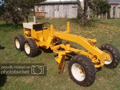 Ironically IH never,ever made a motor grader like some of their competitors did namely JOhn Deere,Allis Chalmers,Clark-Michigan,Caterpillar Yard Tractors, Lawn Mower Tractor, Small Tractors, Compact Tractors, Antique Tractors, Vintage Tractors, Vintage Farm, Cub Cadet Tractors, Homemade Machine