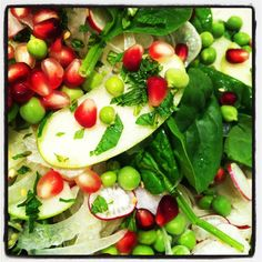 #chasingflavours fennel, radish, spinach, pea, pomegranate and mint salad with honey, lemon mustard vinegarette! Follow Chasing Flavours on Facebook