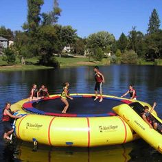 Overton's : Island Hopper 25 Giant Jump - Watersports > Trampolines & Water Toys > Water Trampolines :