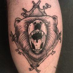 #tattoo #oldschool #bear #rage #boy #bnw #black #white #swaggo #pain