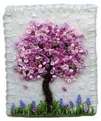 Resultado de imagem para como bordar flor de ipê