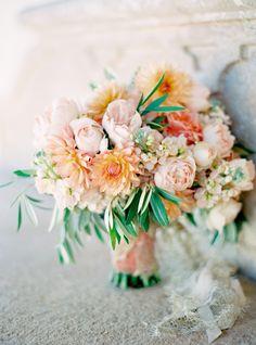 Romantic bouquet by Kate Sapienza from Flowerwild / design by Lisa Vorce, photo by Jose Villa