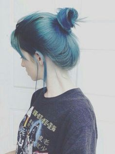 Find images and videos about girl, hair and grunge on We Heart It - the app to get lost in what you love. Ombré Hair, Dye My Hair, Her Hair, Curly Hair, My Hairstyle, Pretty Hairstyles, Asian Hairstyles, Coloured Hair, Mermaid Hair