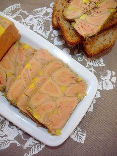Terrine de foie gras grillé de Jean-François Piège Chopped Liver, Plats Froids, Cooking Chef, Chefs, French Food, Holiday Cookies, Mousse, Carne, Entrees