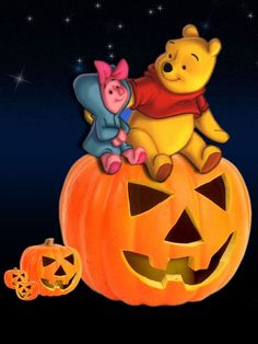 Winnie The Pooh Halloween, Winnie The Pooh Cartoon, Winnie The Pooh Pictures, Bear Halloween, Winne The Pooh, Winnie The Pooh Quotes, Winnie The Pooh Friends, Halloween Pictures, Disney Halloween