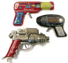 atomic toy guns Danish Modern, Mid-century Modern, Retro Toys, Vintage Toys, 1950s Toys, Vintage Robots, Comics Illustration, Space Toys, Vintage Space
