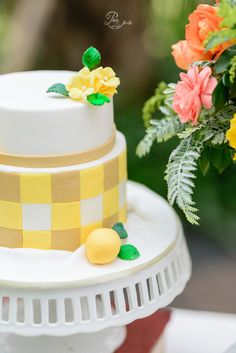 Summer wedding cake idea   Project by Pea and Pie http://www.bridestory.com/pea-and-pie/projects/summer-wedding