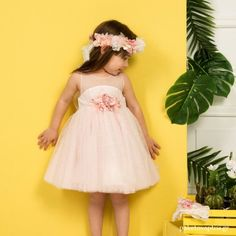 170,00€145.00 € Girls Dresses, Flower Girl Dresses, Christening, Girl Outfits, Wedding Dresses, Clothes, Fashion, Dresses Of Girls, Baby Clothes Girl