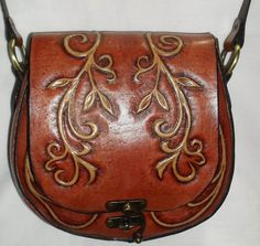 Leather Pouch, Leather Tooling, Leather And Lace, Elf Costume, Leather Carving, Vintage Purses, Leather Design, Steampunk Fashion, Leather Craft