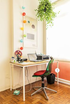 A antiga varanda virou um Home Office cheio de luz! ////// Rafael Torres e Felipe Luz - Casa Aberta
