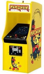 A pacman machine...I still love it when I come across one of these in the real world.