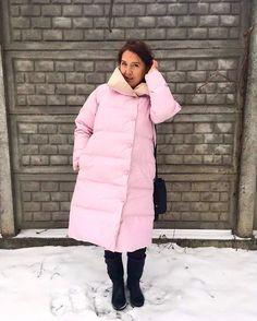Ударил мороз и , наконец-то, я надела пуховик нашего #marchi производства. Пуховик оказался настолько тёплым, что пришлось снять свитер! #downcoat #winter #пуховик #пуховоепальто