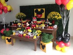Festa do Mickey - Minie Party - Fiesta Mickey Mouse, Mickey Mouse Parties, Mickey Party, Mickey Minnie Mouse, Mickey 1st Birthdays, Mickey Mouse Clubhouse Birthday Party, Mickey Birthday, Mini E, Mickey Mouse Decorations