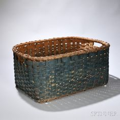 Large Blue-painted Splint Basket, New England, c Old Baskets, Vintage Baskets, Wire Baskets, Painted Baskets, Decorative Baskets, Native American Baskets, Basket Decoration, Painting Cabinets, Basket Weaving