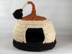 Crocheted Cat Cave Pet house Pet Bed Cappuccino with by EnebrOso