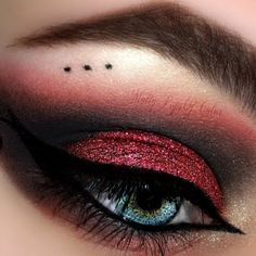 This make up features a sultry dark eyeshadow combo in black and red shades. Lea This make up features a sultry dark eyeshadow combo in black and red shades. Learn how to create this look for an evening affair using these products. Goth Makeup, Black Makeup, Makeup Inspo, Makeup Art, Makeup Inspiration, Beauty Makeup, Hair Makeup, Sultry Makeup, Makeup Ideas