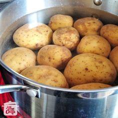 Making German Potato Dumplings, aka Kartoffelklöße or Kartoffelknödel! Potato Dumplings German, German Potatoes, Pie Recipes, Gluten Free Recipes, German Cucumber Salad, How To Make Potatoes, Dumpling Recipe, German Recipes, Supper Ideas