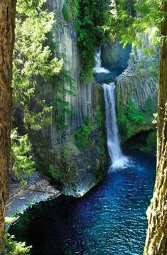 Toketee Falls, North Umpqua, Oregon among 50 other waterfalls in area just as beuatiful and even taller that you cam hike into. Beautiful Waterfalls, Beautiful Landscapes, Beautiful World, Beautiful Places, Simply Beautiful, Wonderful Places, Beautiful Pictures, Oregon Travel, Oregon Vacation
