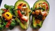 Przedstawiamy dwa proste i szybkie przepisy na dania z awokado. Sprawdzą się jako smaczne śniadanie i apetyczna przekąska!
