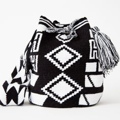 Wayuu Boho Bags with Crochet Patterns Crochet Chart, Bead Crochet, Diy Crochet, Crochet Handbags, Crochet Purses, Crochet Bags, Mochila Crochet, Tapestry Crochet Patterns, Tapestry Bag