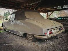 old pickup trucks Citroen Ds, Classic Cars British, Ford Classic Cars, Peugeot, Car Barn, Classic Car Restoration, Old Pickup Trucks, Abandoned Cars, Abandoned Places