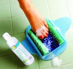 Hands-Free Wash, Exfoliate, & Massage Your Feet With The FootMate® Shower System  ... see more at InventorSpot.com