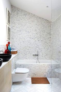 El baño de mini mosaicos, un espacio limpio y vanguardista   Galería de fotos 9 de 11   AD MX