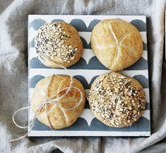 Ako si upiecť ten najlepší kváskový chlieb   Urob si sám Hamburger, Bread, Food, Brot, Essen, Baking, Burgers, Meals, Breads